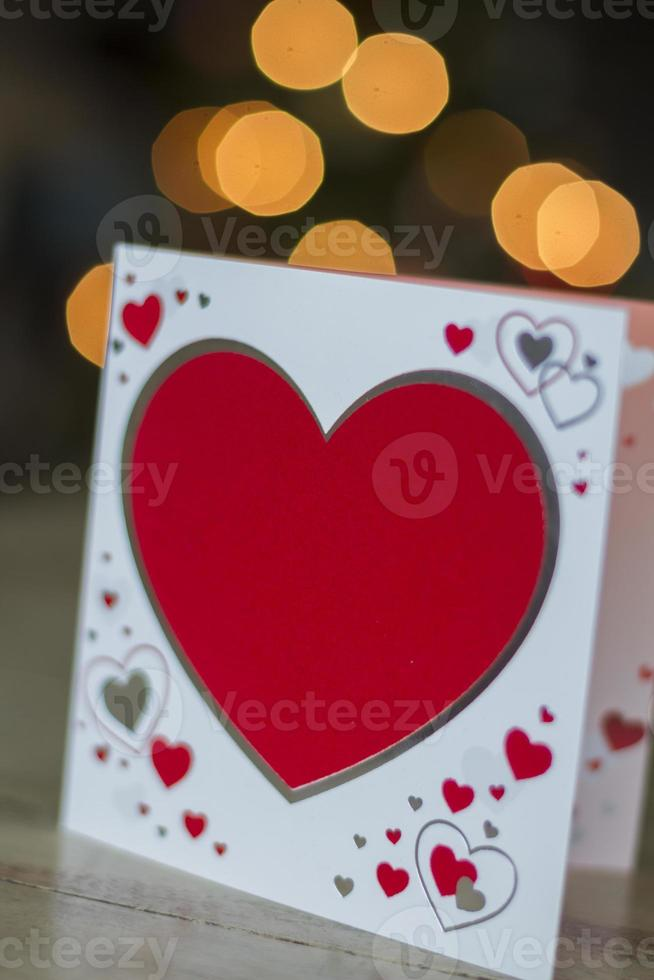 cartão com corações vermelhos para dia dos namorados foto