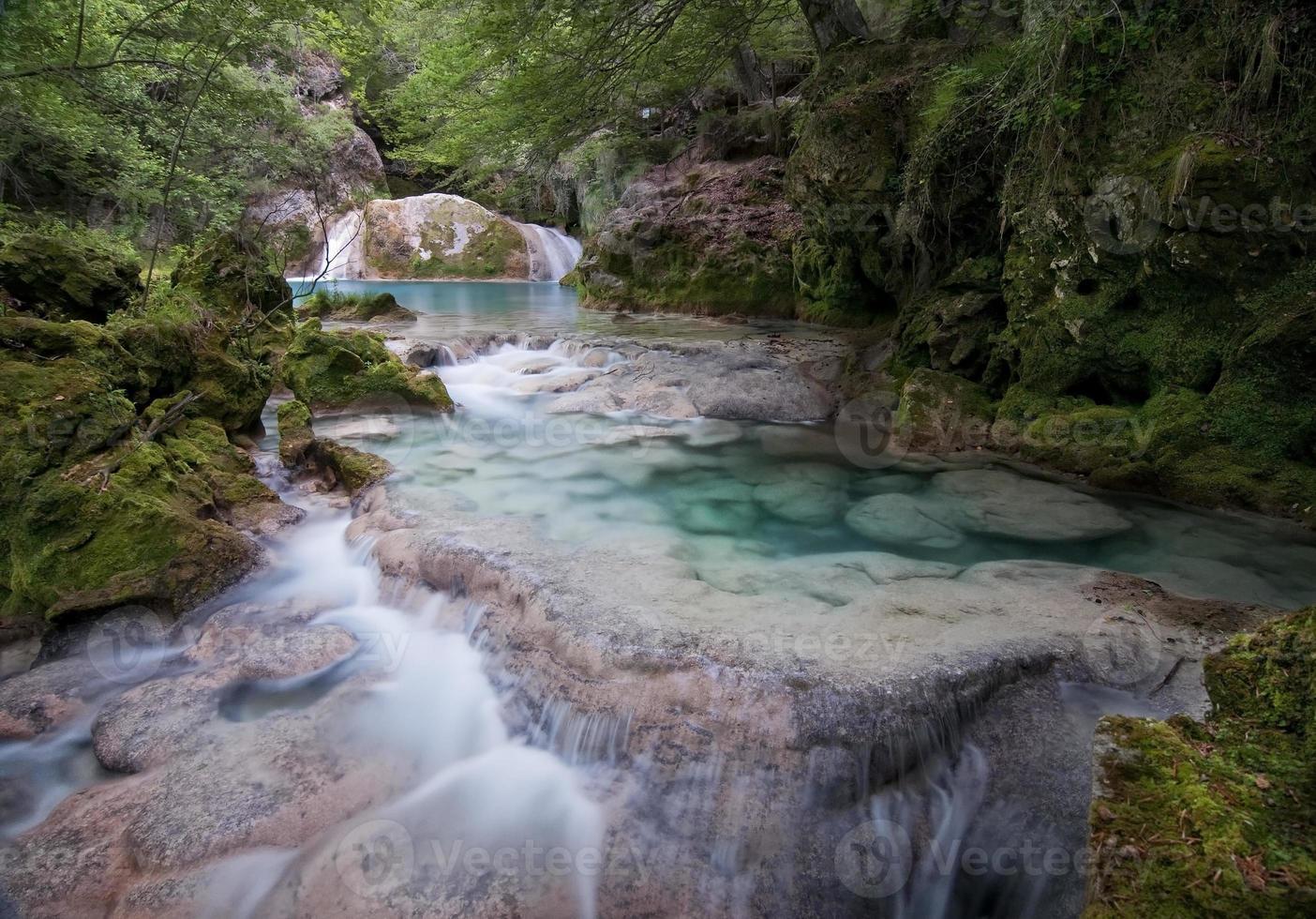 rio da montanha foto