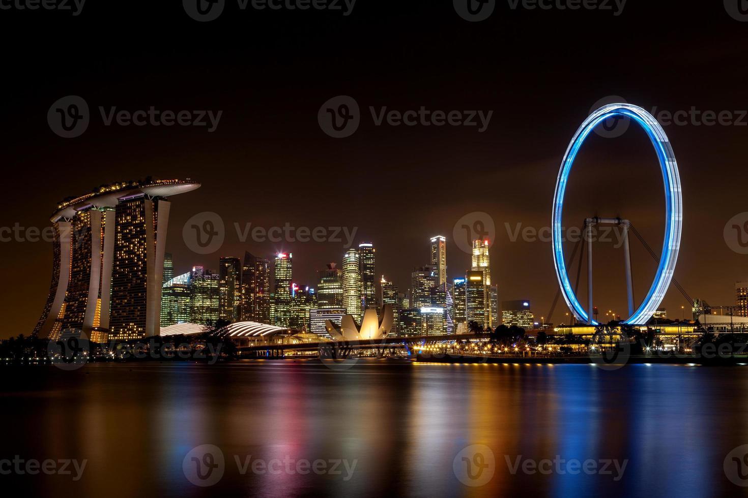 longa exposição do horizonte de Singapura foto