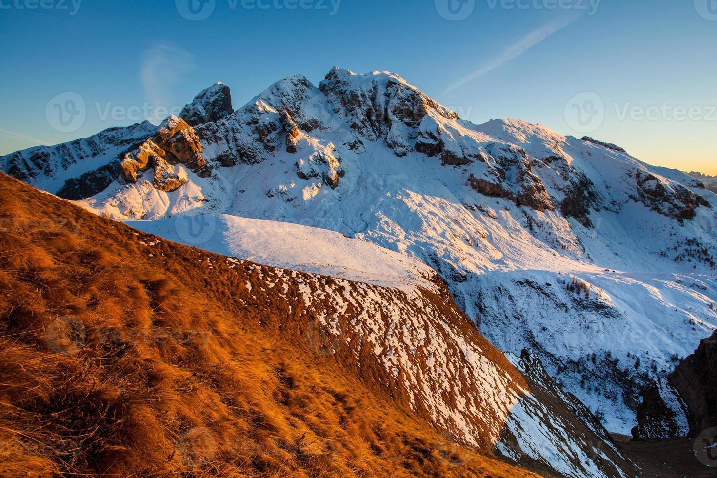 maravilhosa paisagem de inverno foto