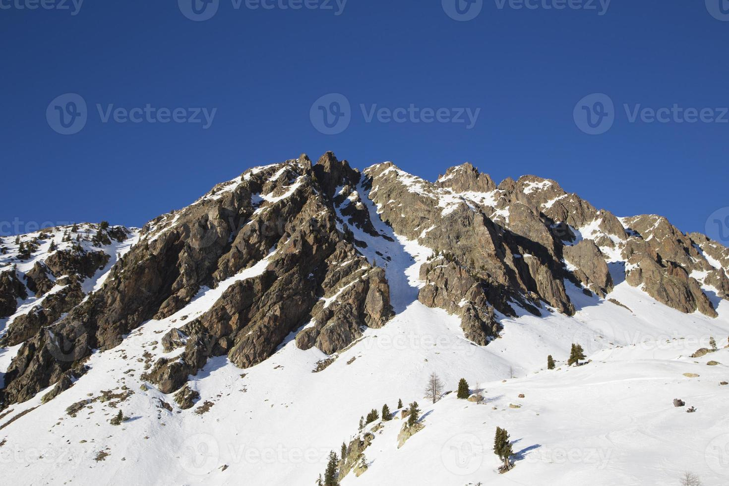 paisagem de inverno na frança foto