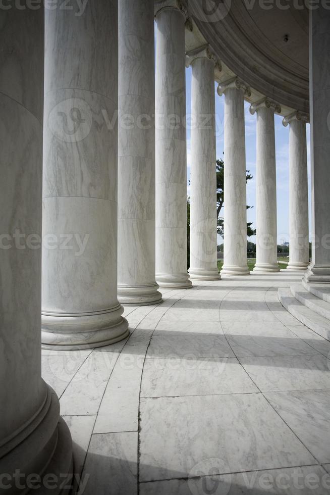 colunas brancas foto
