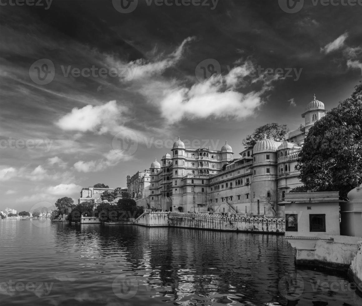 palácio da cidade. udaipur, índia foto