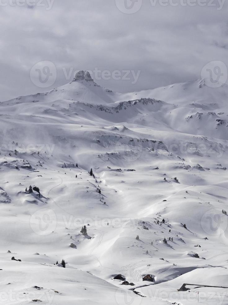 montagem spitzmeilen e assentamento alpino foto