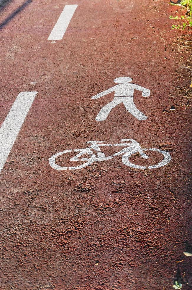 sinais de ciclovias e pedestres foto