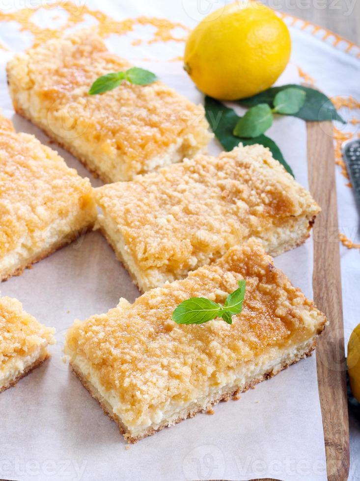 barras de cheesecake de limão foto
