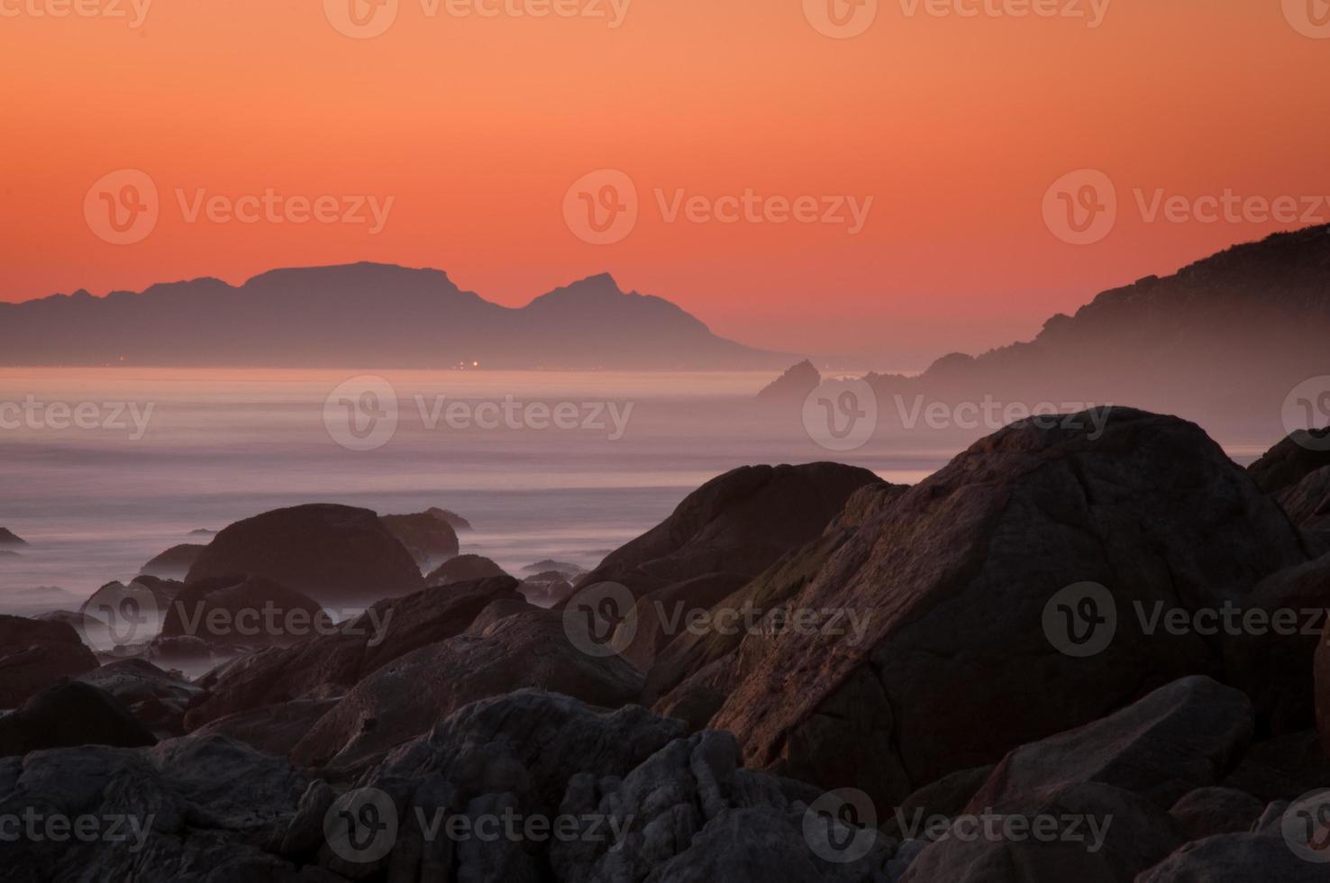 pôr do sol da montanha da mesa foto