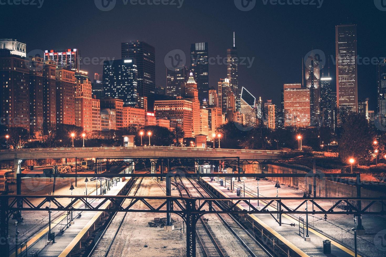 linha do horizonte e ferrovia de chicago foto