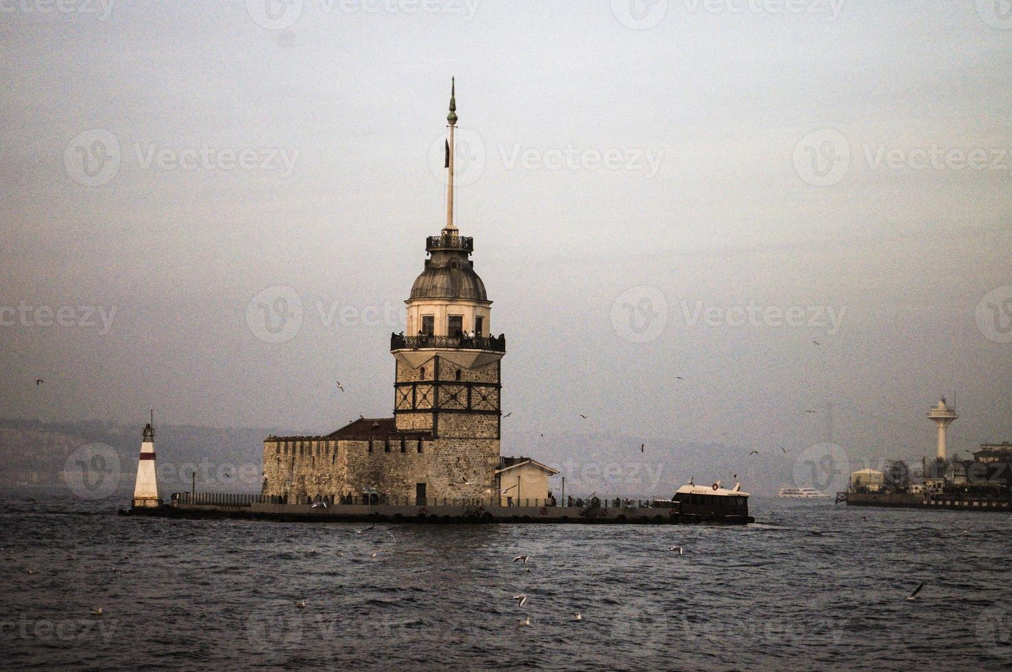 torre inaugural em üsküdar, istambul foto