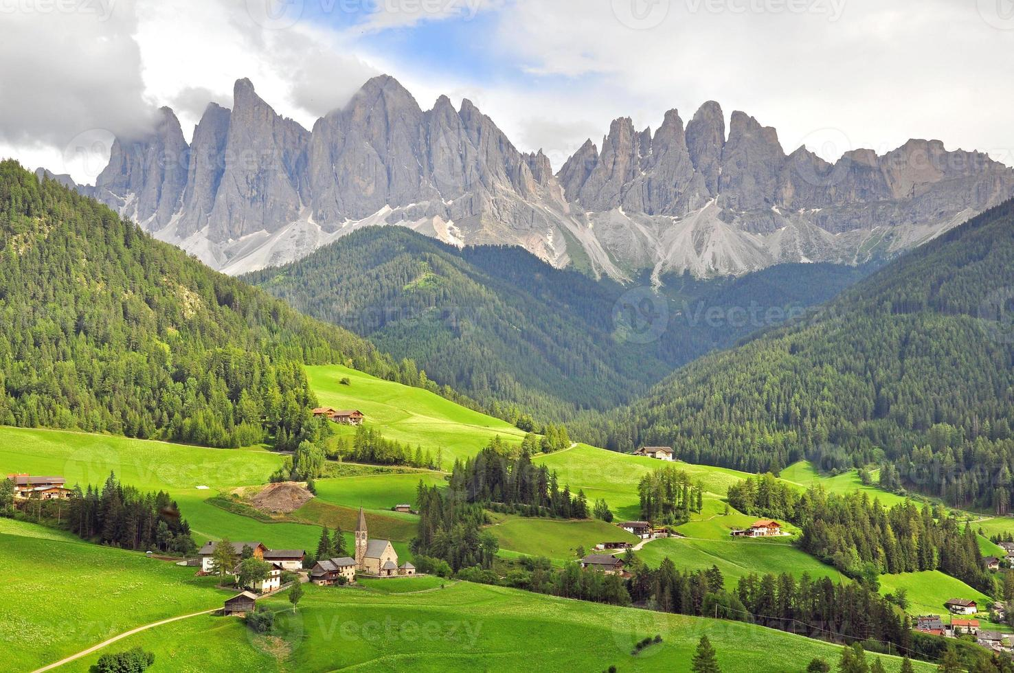 vale de funes, itália foto