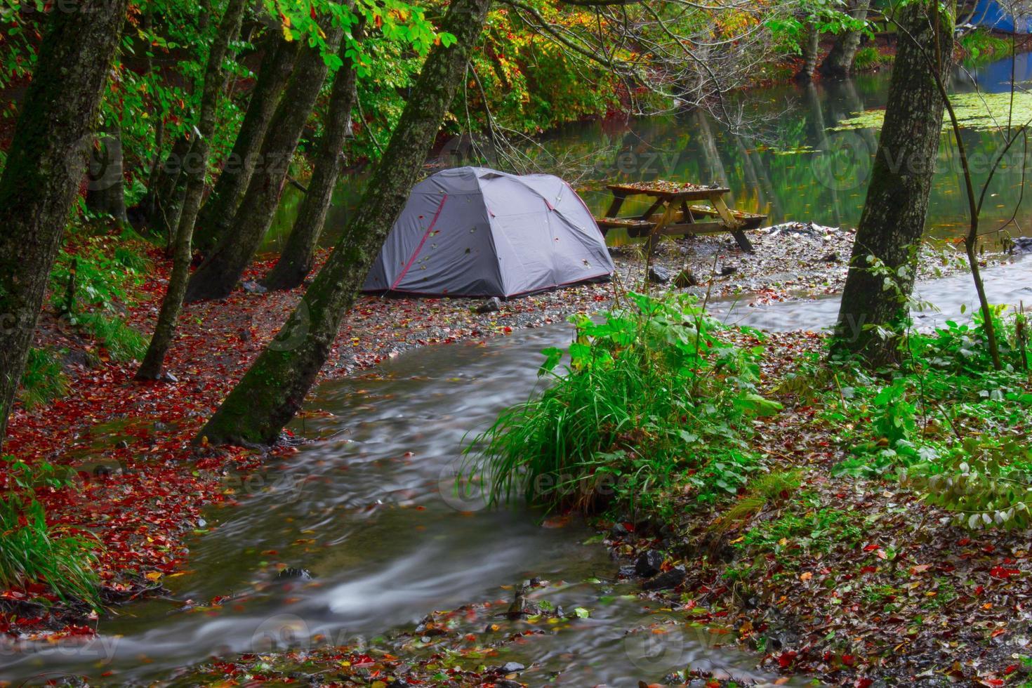 única barraca no outono em yedigoller bolu foto