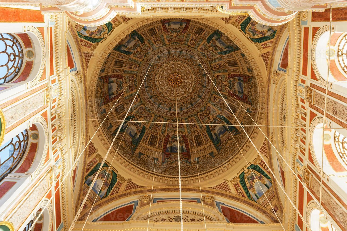 Mesquita Ortakoy em Istambul foto