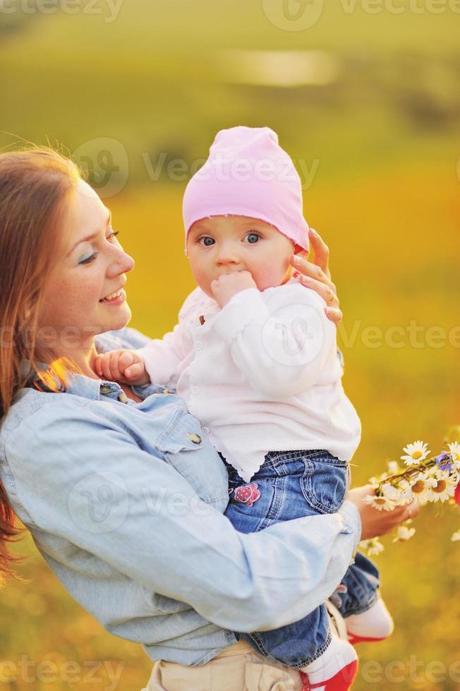 família feliz, mãe e filha adorável. foto