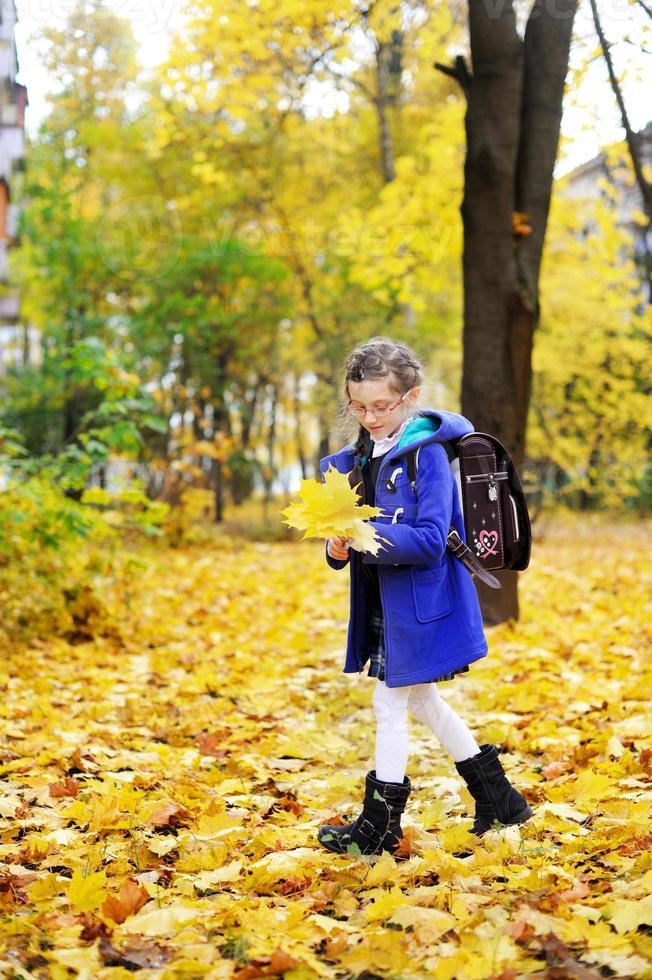 menina criança no parque foto
