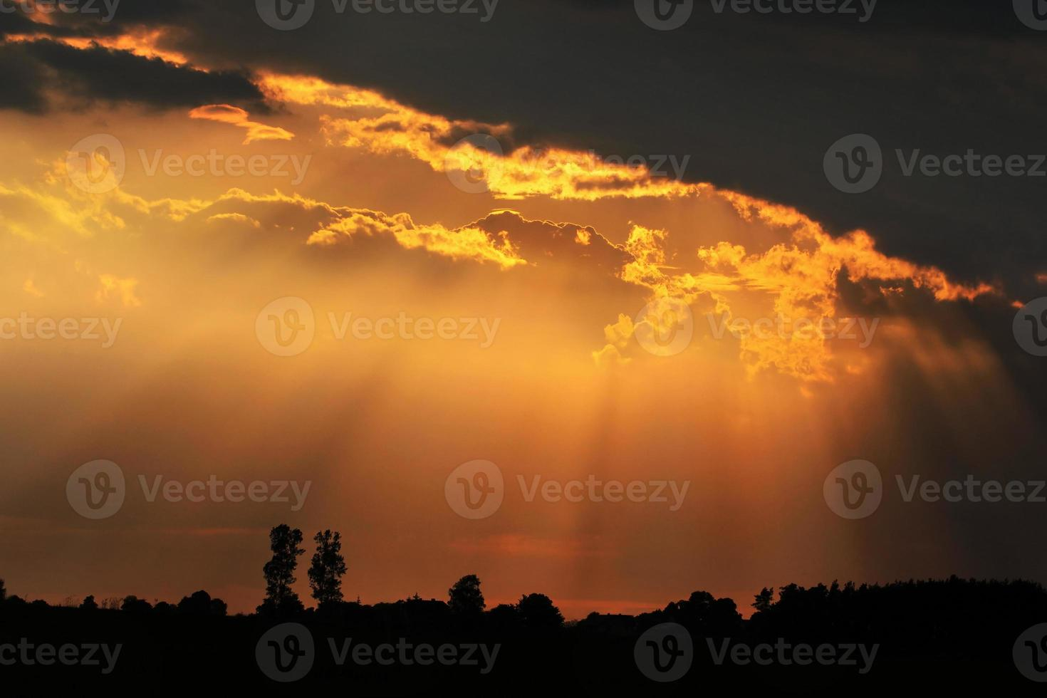 pôr do sol de primavera foto