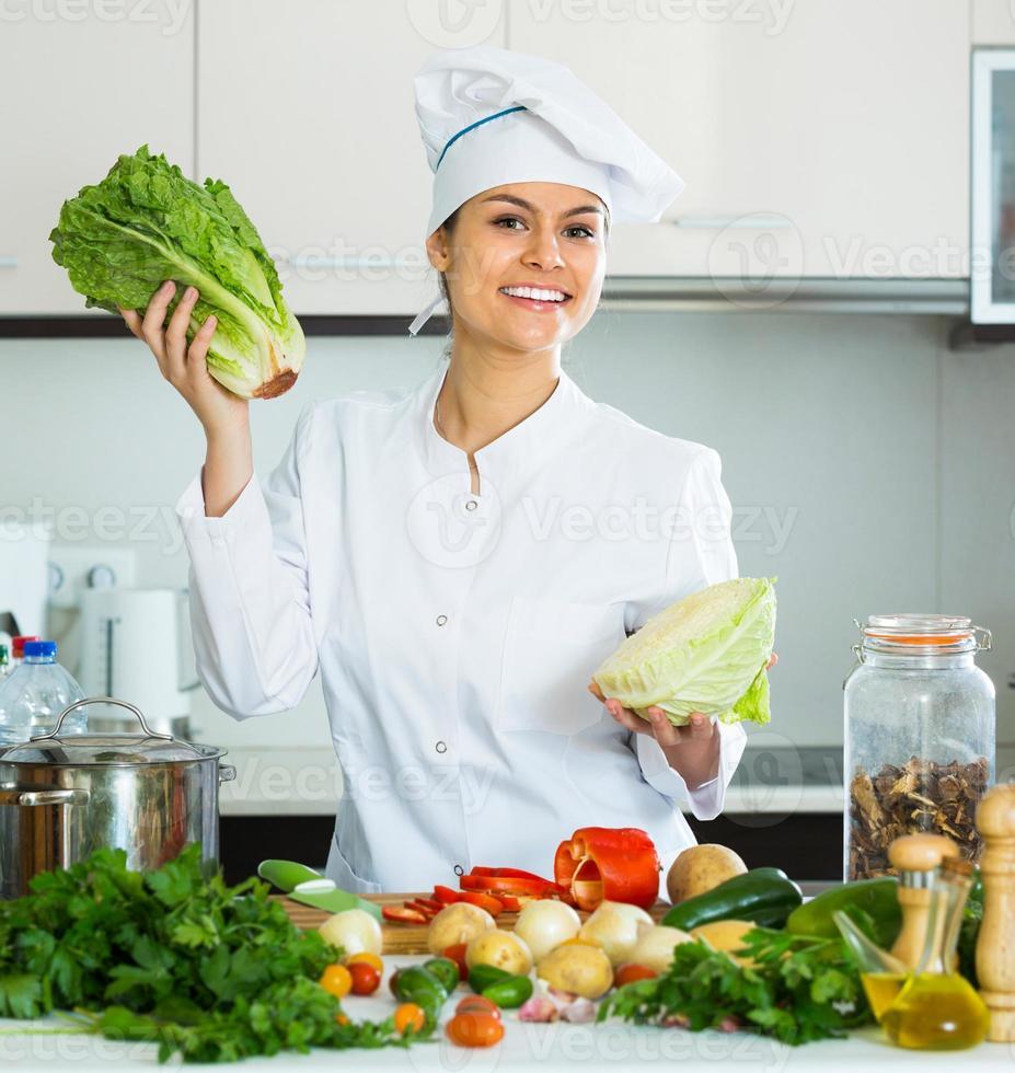 cozinheiro feminino refeição vegetariana foto