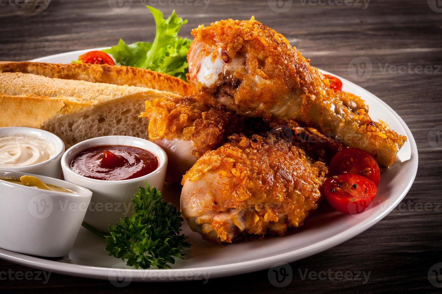 coxinhas de frango assado e legumes foto