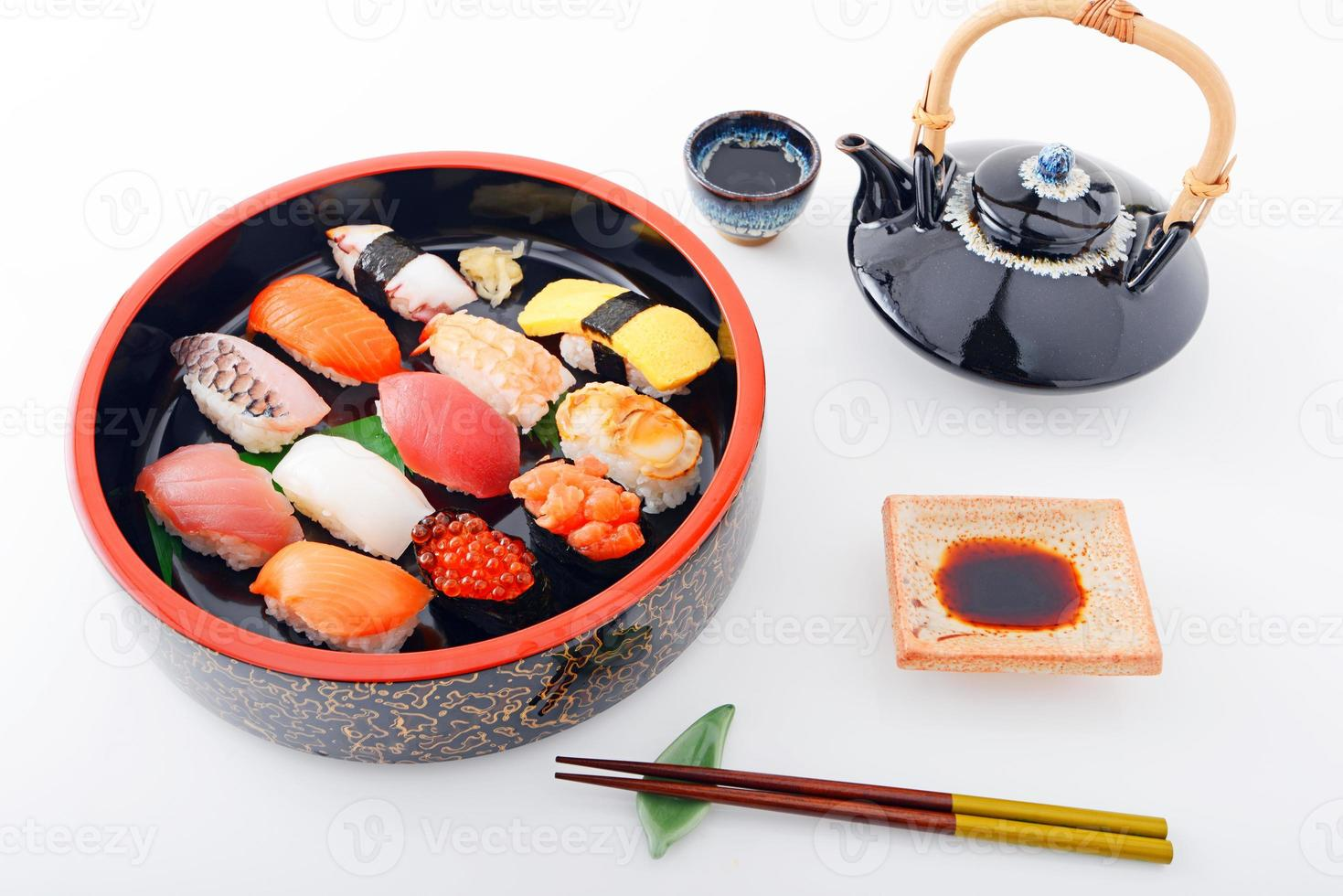 sushi com álcool foto