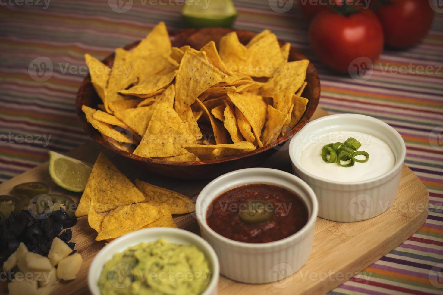 nachos com molhos 7 foto