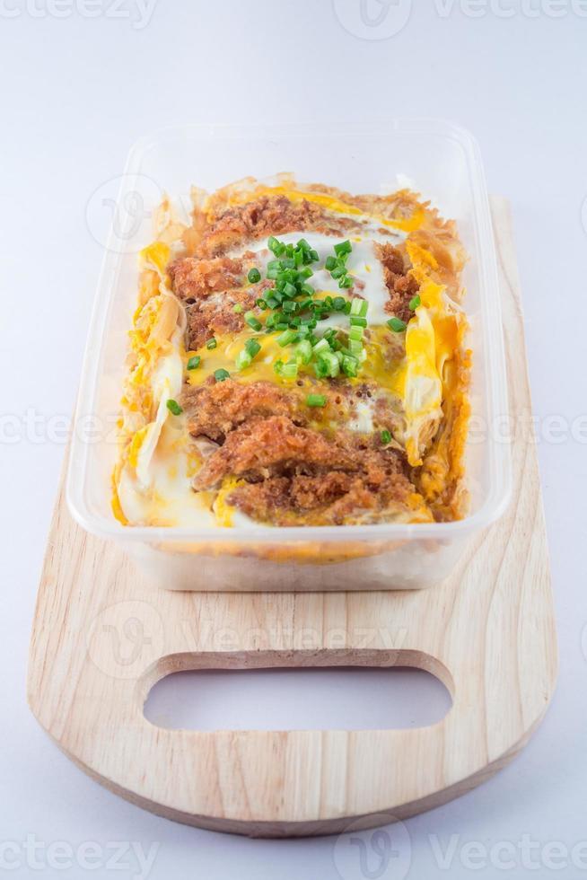 katsu de porco frito com arroz foto