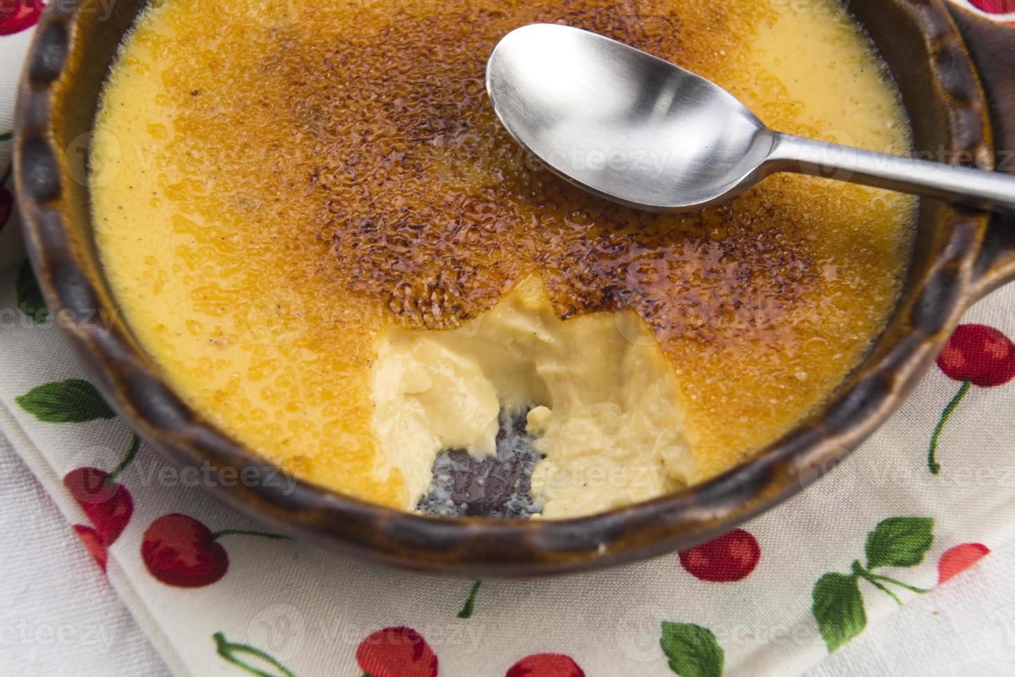 sobremesa francesa - creme queimado foto