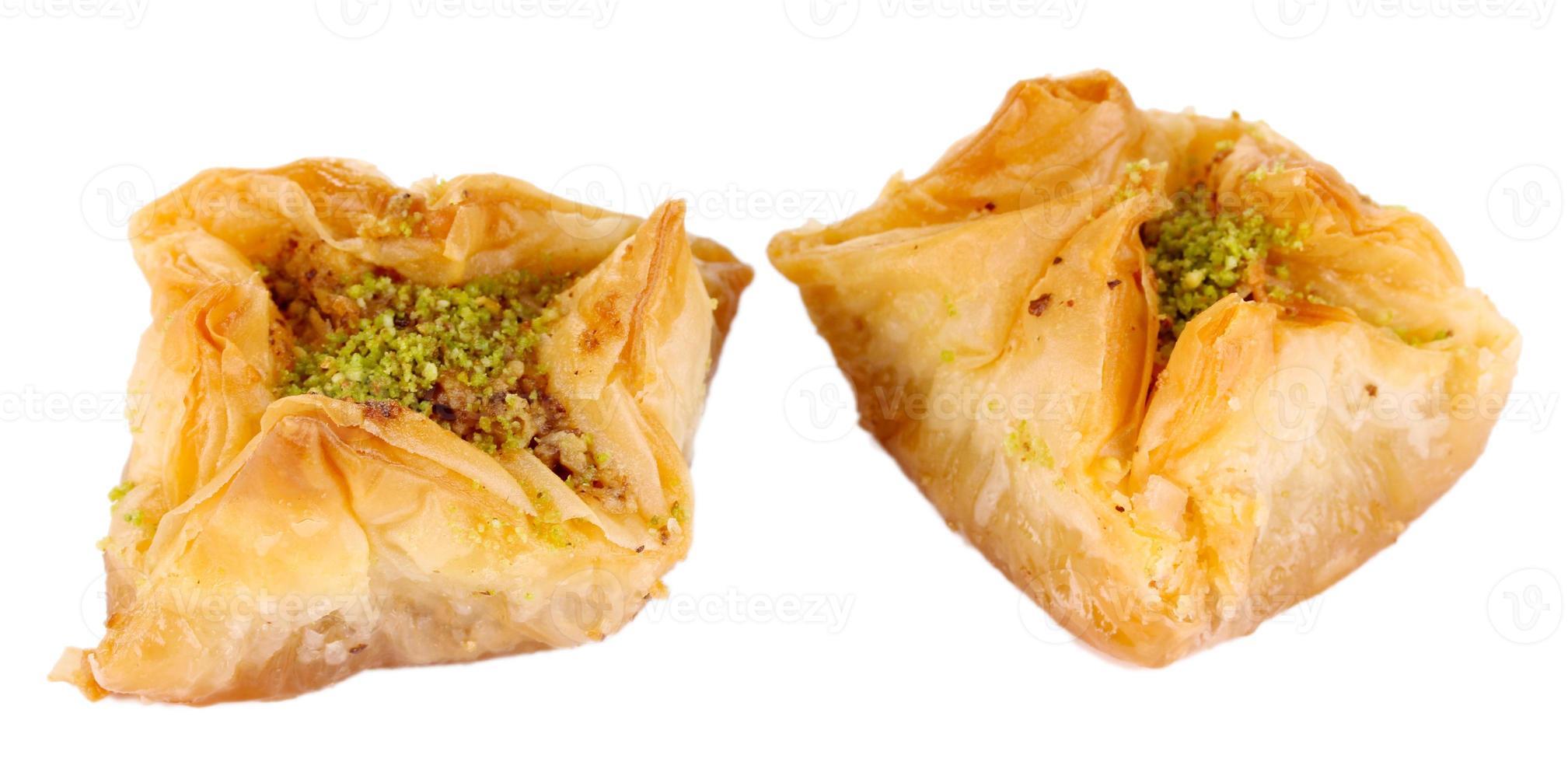baklava doce isolado no branco foto
