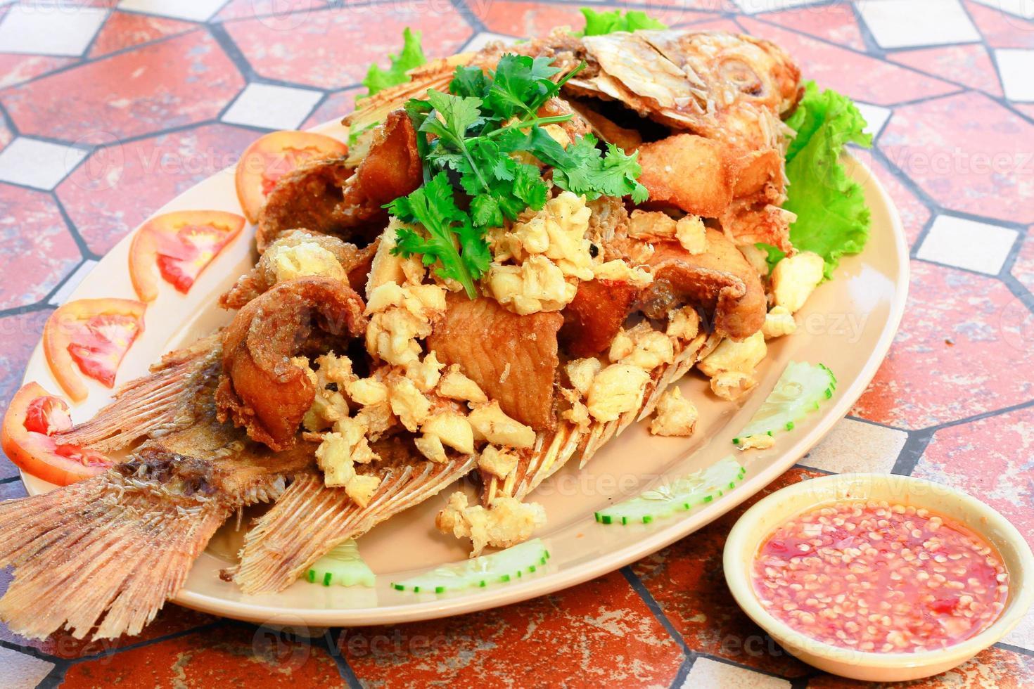peixe frito foto