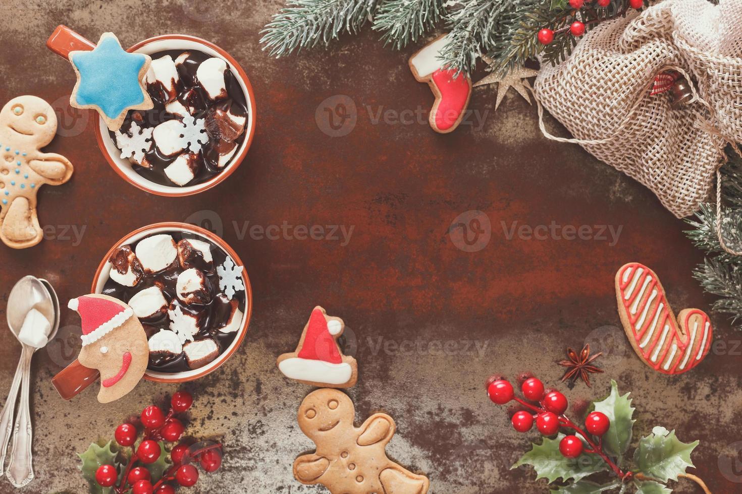 chocolate quente em um cenário de natal foto