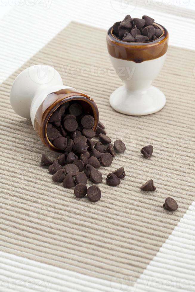 pequenos pedaços de chocolate foto