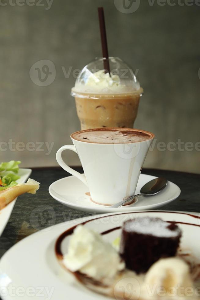 xícara de chocolate quente foto