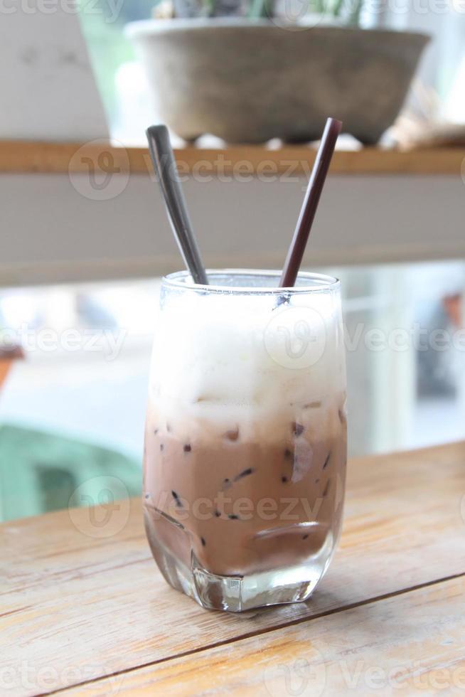 bebida de chocolate com gelo foto