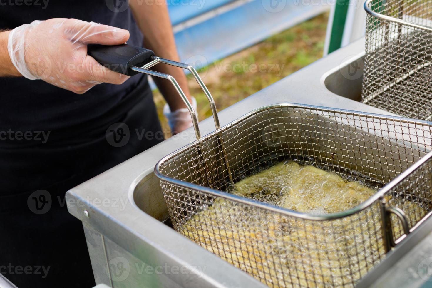 cozinhar batatas fritas foto