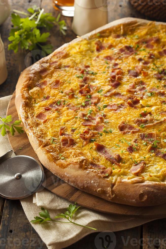 pizza caseira com bacon foto