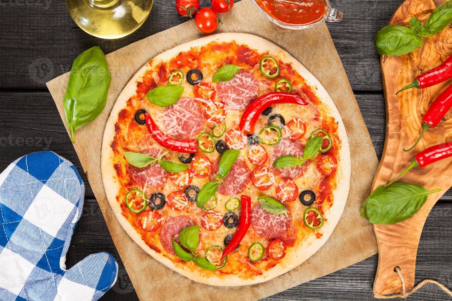 deliciosa pizza caseira foto