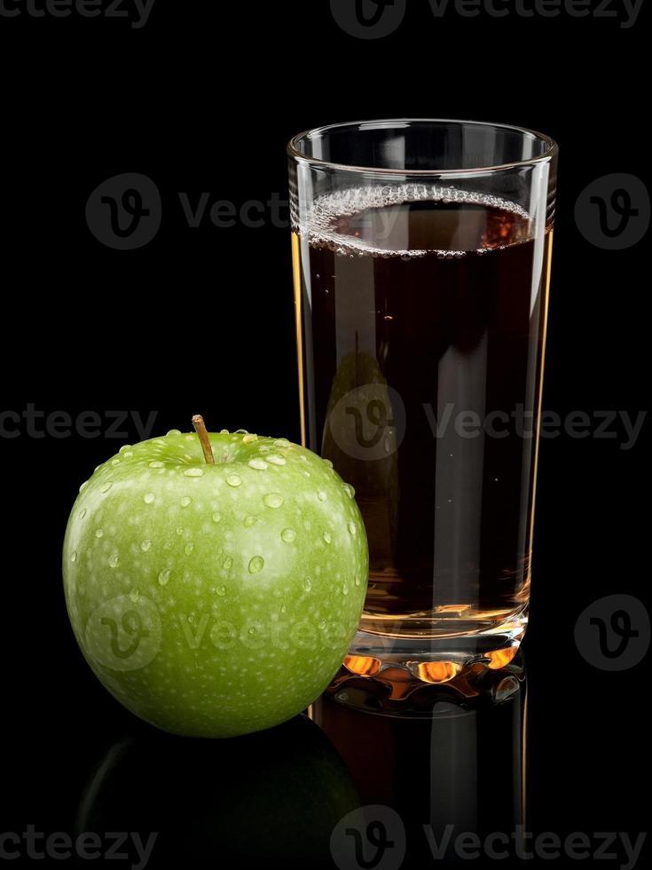 maçã e suco de maçã foto