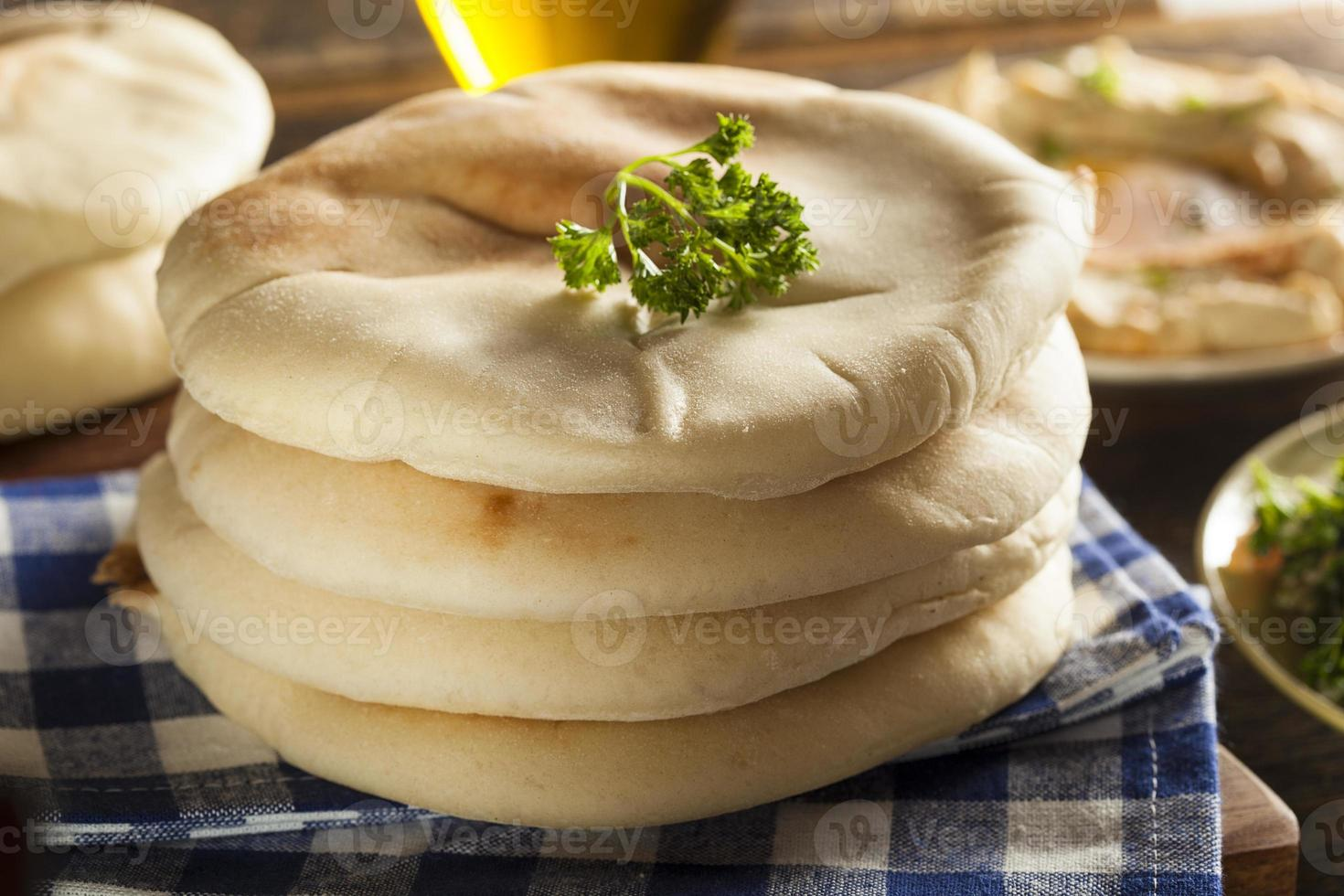 pão pita orgânico caseiro foto