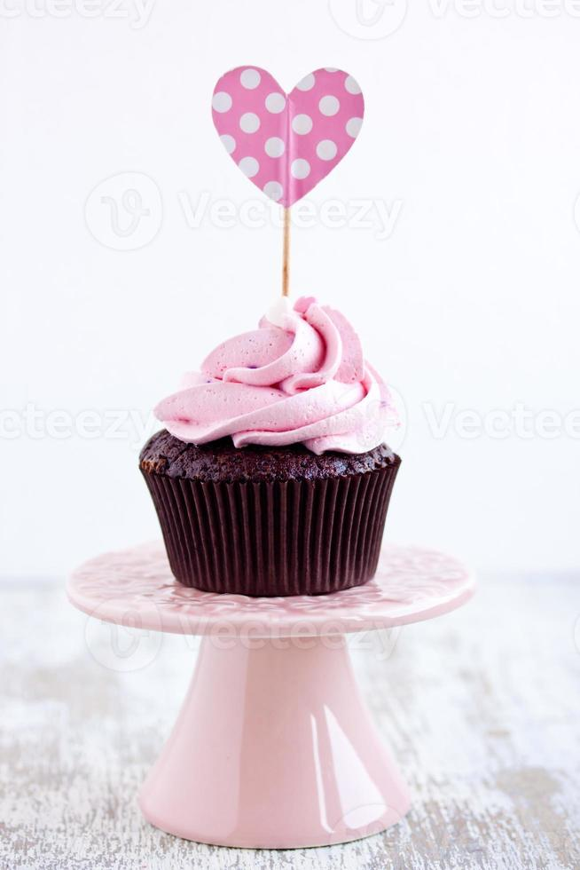 cupcake de chocolate rosa foto