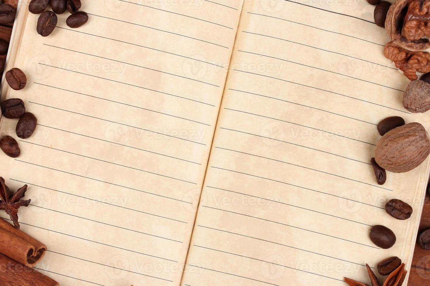 papel velho para receitas e especiarias foto