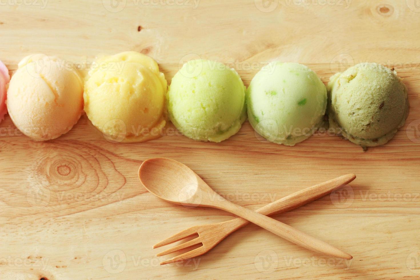 colheres de sorvete foto