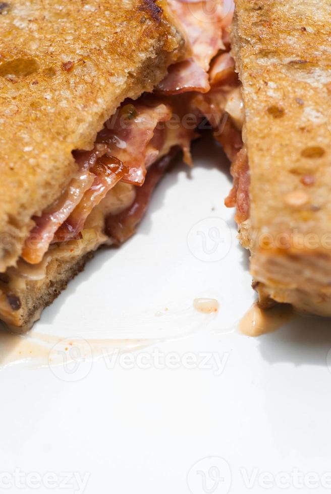 sanduíche de bacon e queijo foto