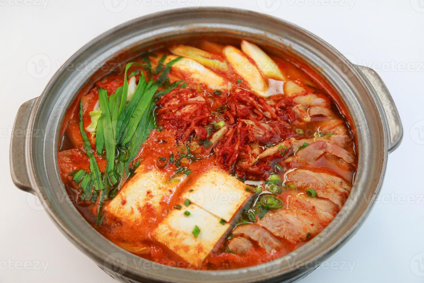 panela de ensopado de estilo coreano picante foto