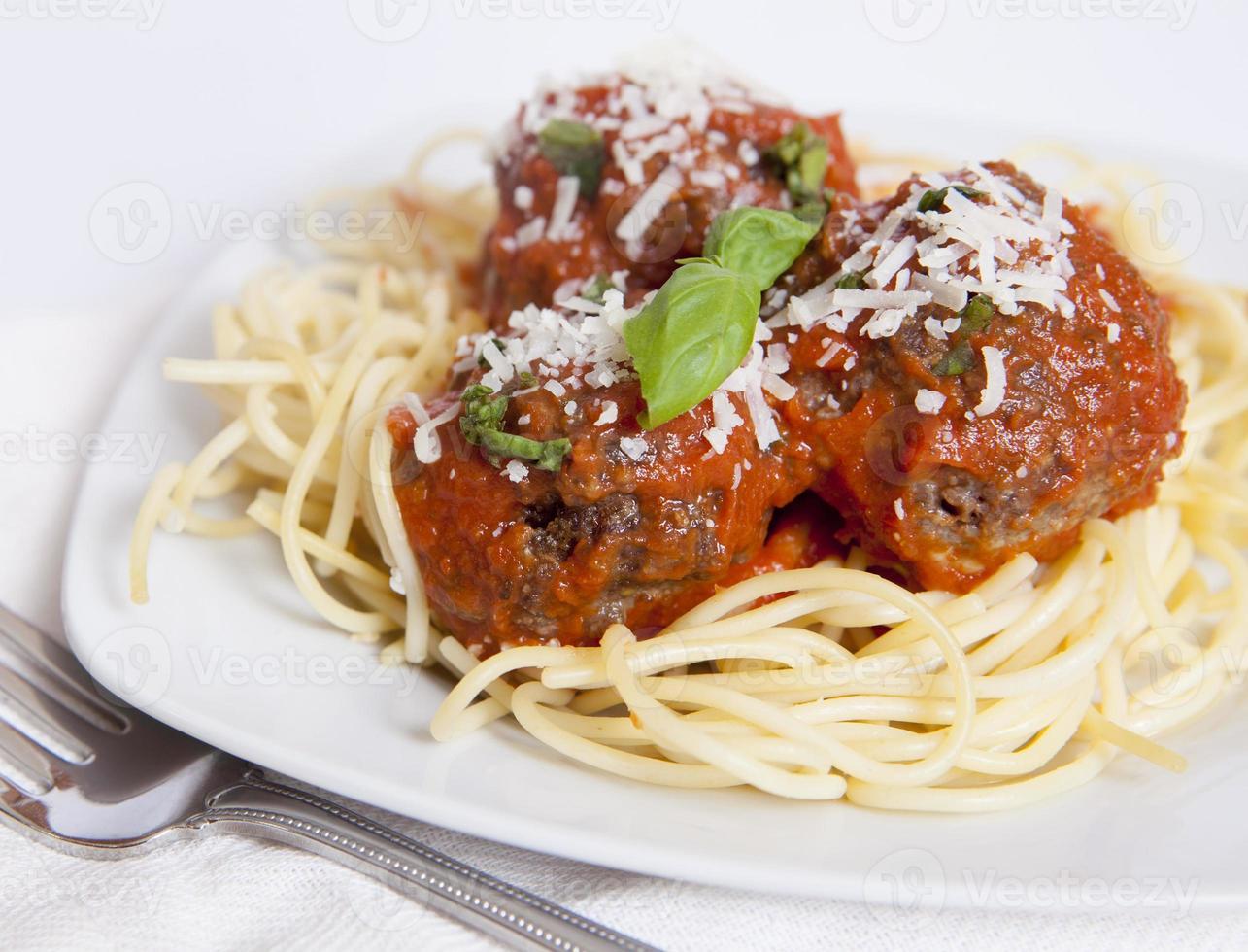 espaguete e almôndegas foto