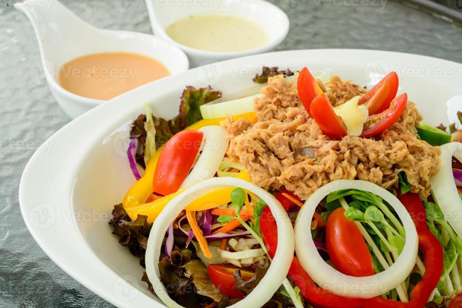 atum de salada foto