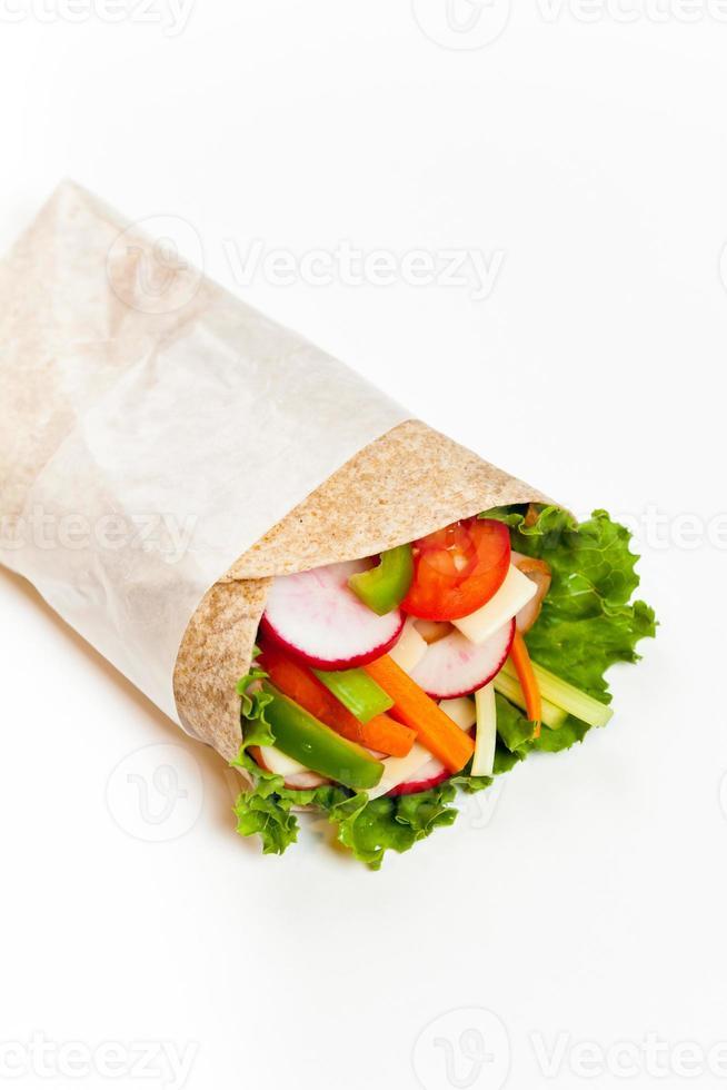 sanduíche de tortilha embrulhado foto