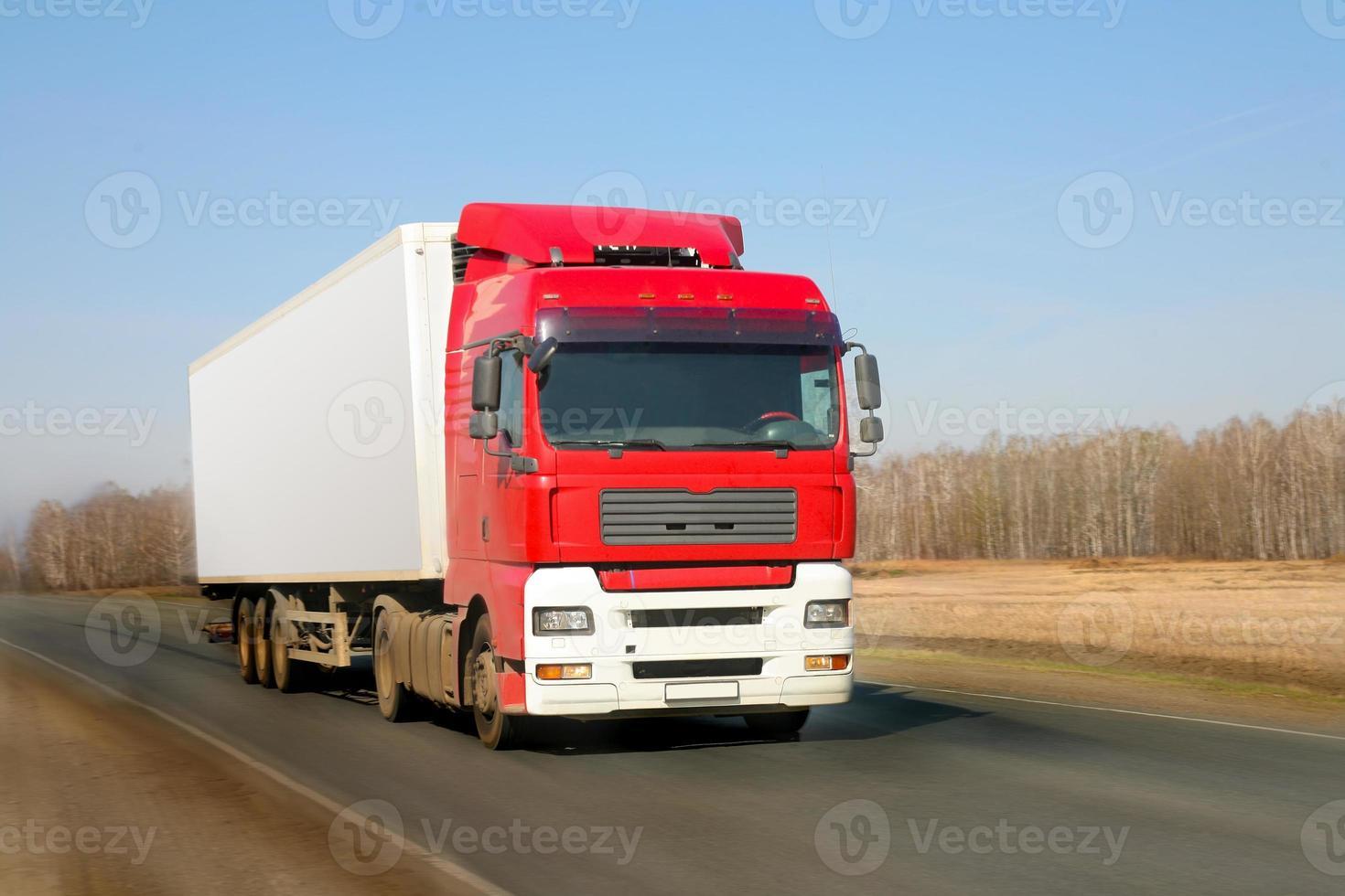 trailer vai na estrada foto
