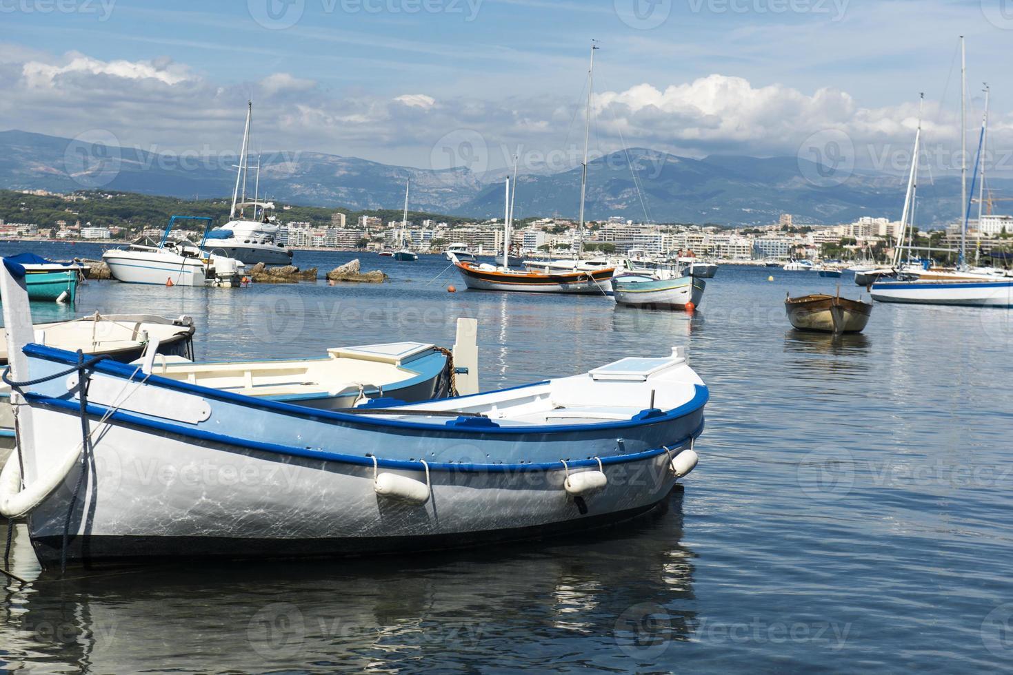 barcos coloridos foto