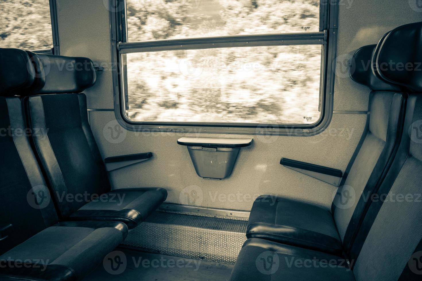 interior do trem foto