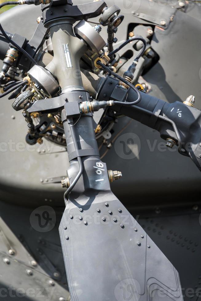 detalhe do rotor de cauda de helicóptero foto