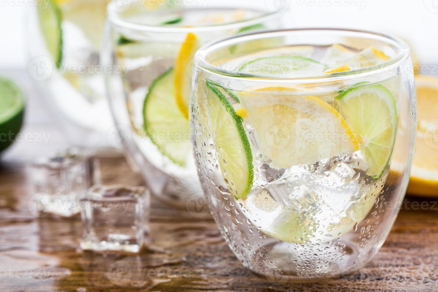 limonada fresca e fria foto