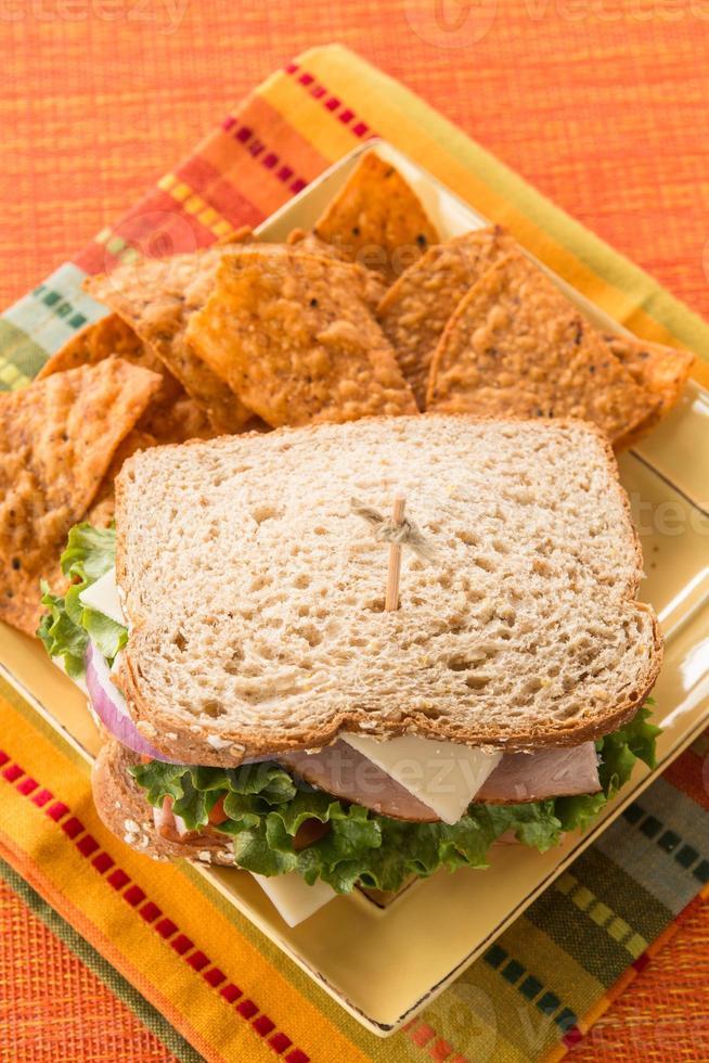 almoço saudável sanduíche presunto peru queijo foto